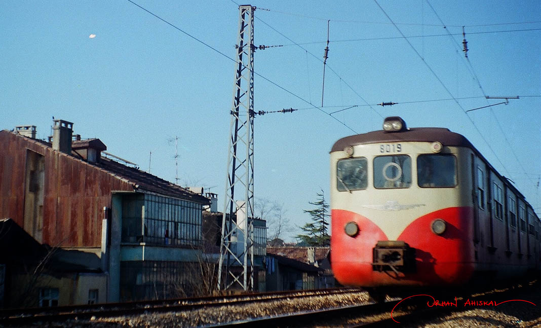 "Former ""banliyö"" train near Yedikule, 1986. Photo: Orhan Ahıskal"
