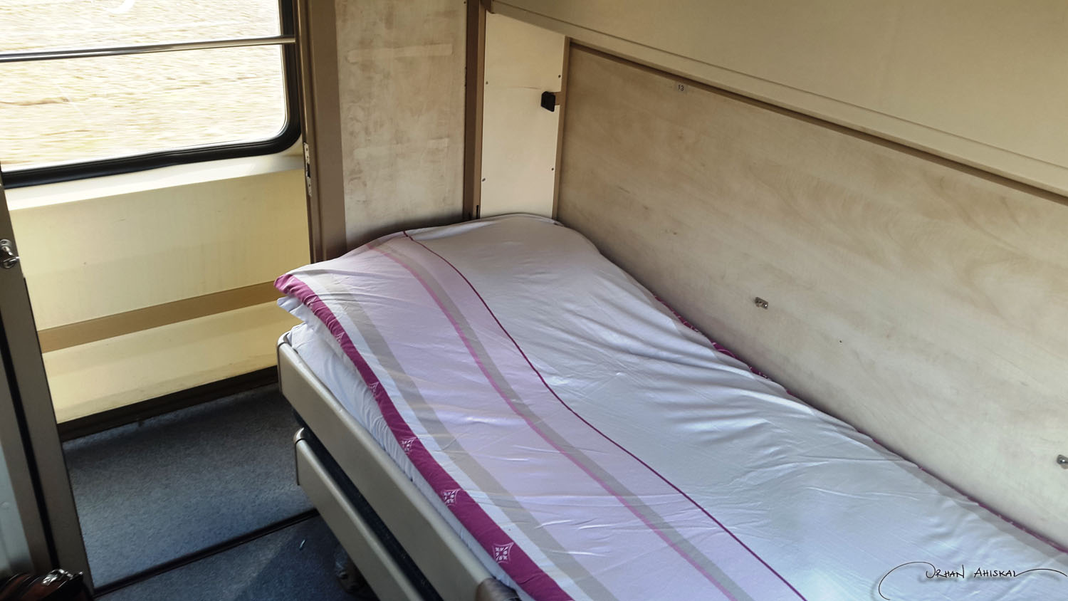 Bed and compartment. Photo: Orhan Ahıskal