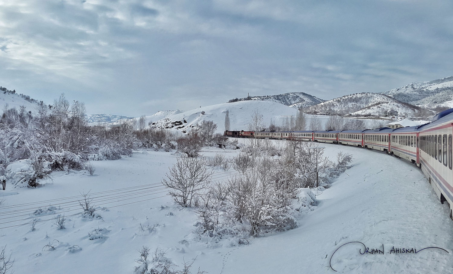 Winter scene in Elazığ province. Two diesel engines at work on ice. Photo: Orhan Ahıskal