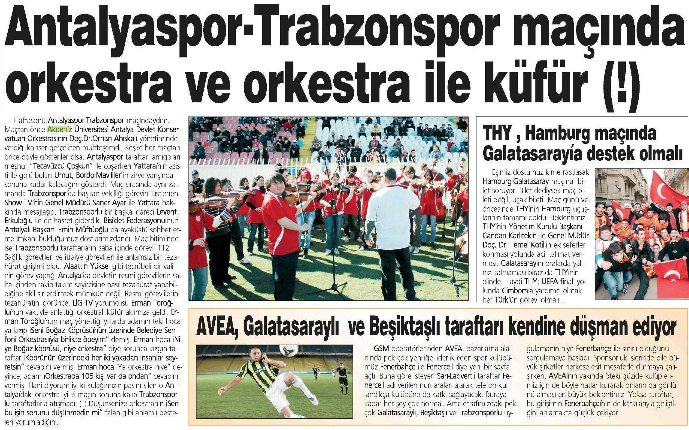 Maç öncesi Antalya Atatürk Stadında orkestra konseri