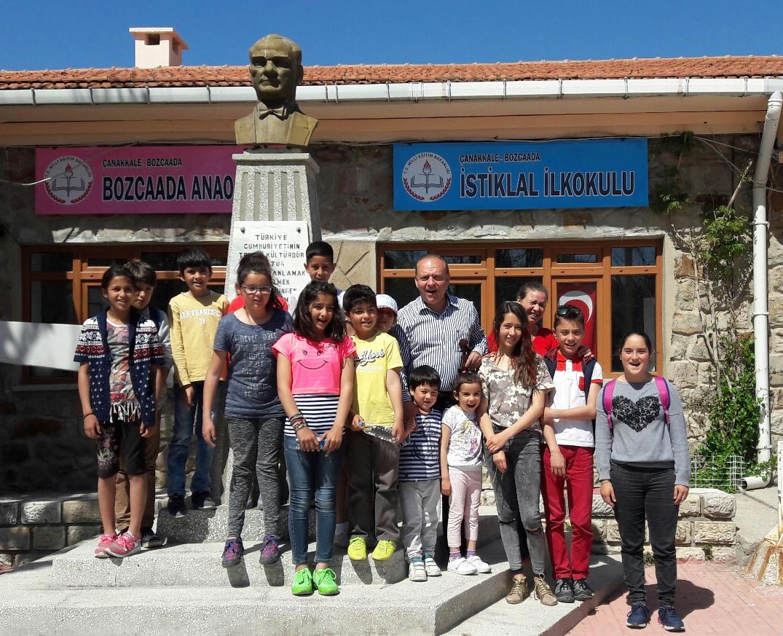 İstiklal İlkokulu öğrencileri ile sunumum sonrası hatıra fotoğrafı