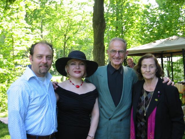 Naci Bey ve SNETACA üyeleri ile, Middletown, Connecticut, Mayıs 2003