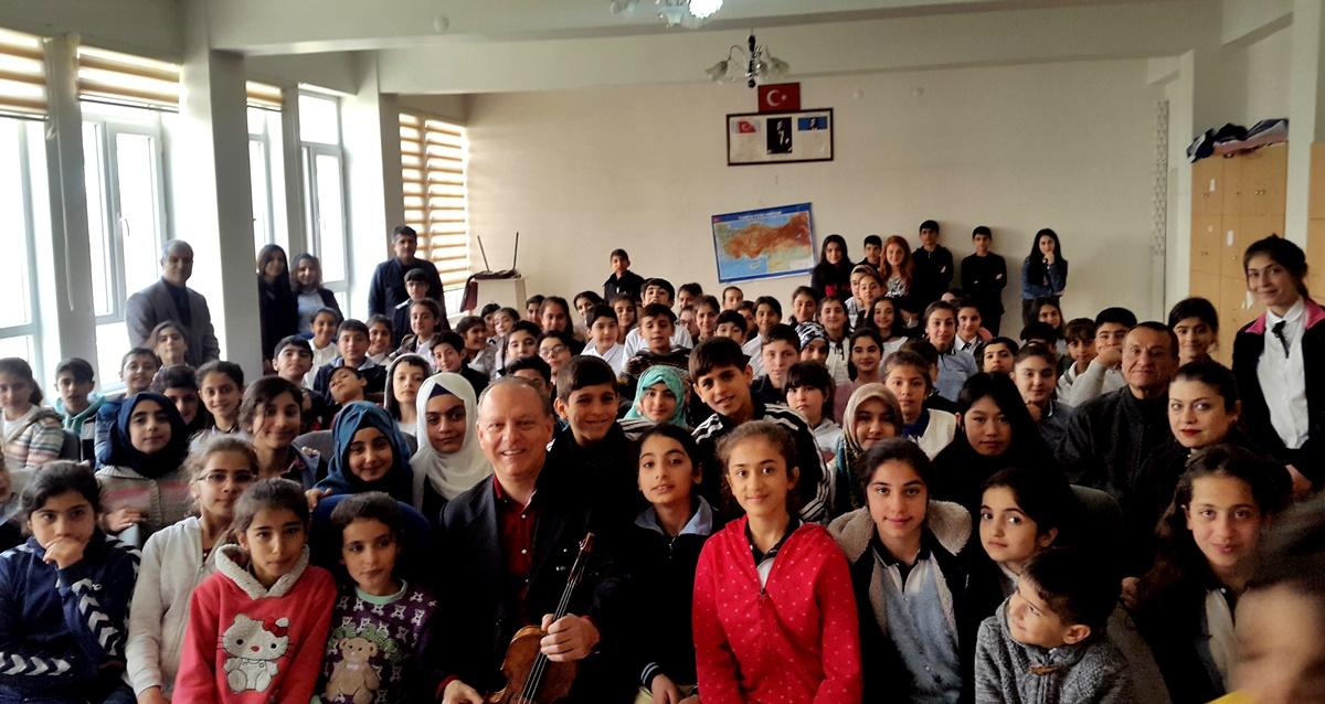 Vali Kurt İsmail Paşa Ortaokulu, Peyas, Diyarbakır
